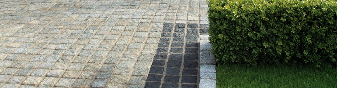 116 Granite Setts, Silver and Black